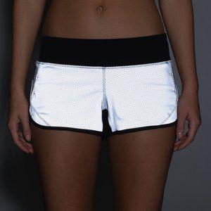 NWOT Lululemon Speed Shorts *Reflective* (8)
